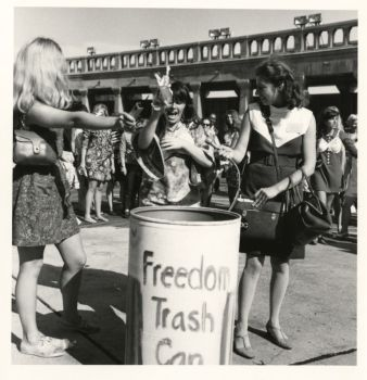 bra-burning_freedomtrashcan
